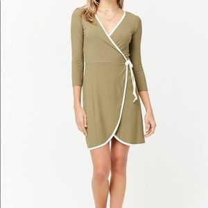 Dresses & Skirts - NEW Wrap dress